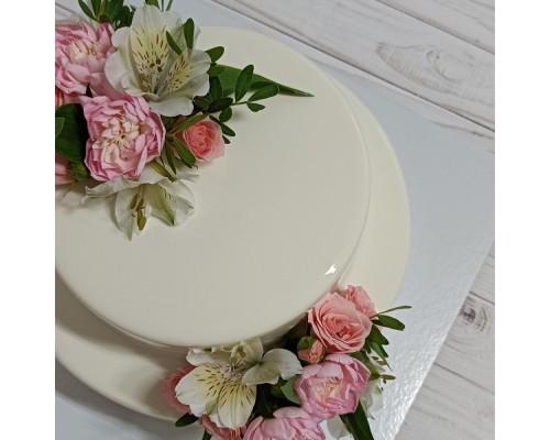 Муссовый 2 х ярусный торт
