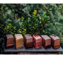 Пирожные муссовые в ассортименте, 6 шт. 600 - 700 гр