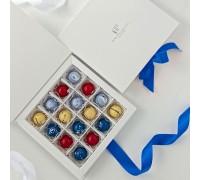 Подарочный набор авторских эксклюзивных корпусных конфет для женщин в коробке 16 шт