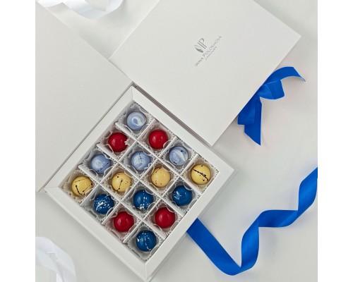 Подарочный набор корпусных конфет для женщин в коробке 16 шт