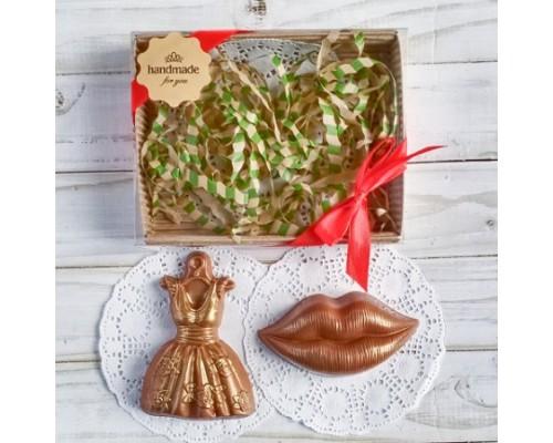Шоколадная фигурка девушке Платье и губы