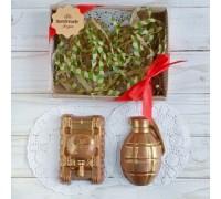 Шоколадная фигурка мужчине Танк и граната, 150 гр