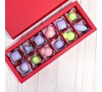 Подарочный набор авторских эксклюзивных корпусных конфет для женщин в коробке 12 шт